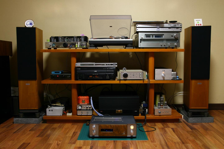 6-2013-0120 Audio system 0004-1.jpg